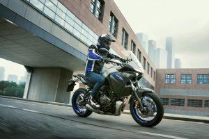 2020-Yamaha-MT07TR-EU-Icon_Grey-Action-013-03