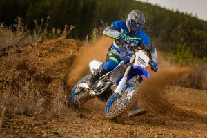 2020-Yamaha-WR450F-EU-Racing_Blue-Action-009