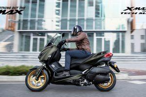 2020-Yamaha-XMAX300ASP-EU-Tech_Kamo-Keyvisual-001-01