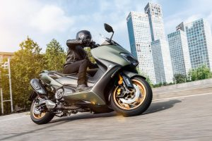 2020-Yamaha-XP500ADX-EU-Tech_Kamo-Action-001-03