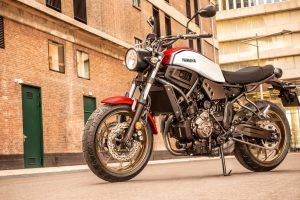 2020-Yamaha-XS700-EU-Dynamic_White-Static-001-03