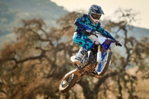 2020-Yamaha-YZ65-EU-Racing_Blue-Action-007-03